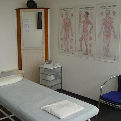 Behandlungsraum 2 - Metall